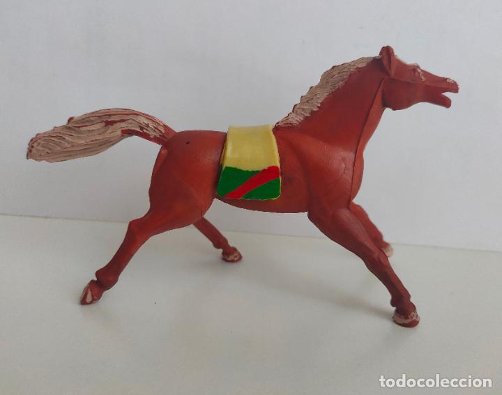 Figuras de Goma y PVC: Caballo de Goma de Mariano Sotorres, para indio. Montura de época. Años 50/60 - Foto 2 - 242158900