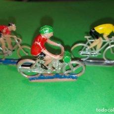 Figuras de Goma y PVC: GRUPO DE CICLISTAS DE MARIANO SOTORRES AÑOS 50/60. PLÁSTICO RÍGIDO. DISTINTOS MODELOS. Lote 242182080