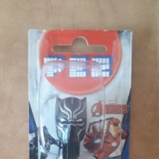 Dispensador Pez: DISPENSADOR CARAMELOS PEZ BLACK PANTHER LOS VENGADORES MARVEL COMICS. Lote 242258655
