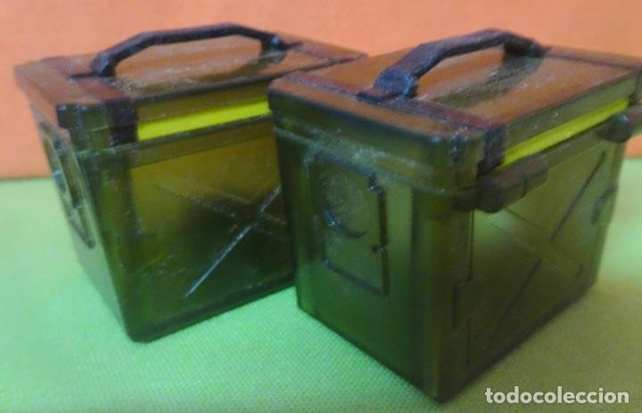 Figuras de Goma y PVC: LOTE 2 BAÚLES CON LUZ , VER FOTOS - Foto 2 - 242468485