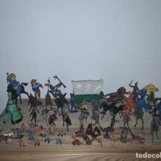 Figuras de Borracha e PVC: LOTE DE INDIOS Y VAQUEROS DIFERENTES MARCAS Y ESCALAS AÑOS 70. Lote 242476580
