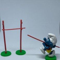 Figuras de Goma y PVC: PITUF0 CON PERTIGA - SCHLEICH - PEYO. Lote 243661050