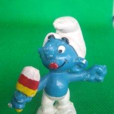 Figuras de Goma y PVC: PITUFO COMIENDO HELADO POLO 1978 SCHLEICH. Lote 243777415