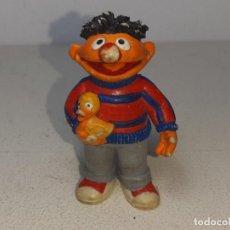 Figuras de Goma y PVC: COMICS SPAIN : ANTIGUA FIGURA DE BLAS EPI Y BLAS MUPPETS BARRIO SESAMO AÑOS 80 1984. Lote 243796380