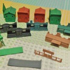 Figuras de Goma y PVC: LOTE SERIE POBLADOS OESTE MONTAPLEX. Lote 244450325