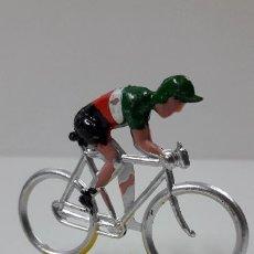 Figuras de Goma y PVC: CICLISTA . REALIZADO POR M. SOTORRES . ORIGINAL AÑOS 60. Lote 244467345