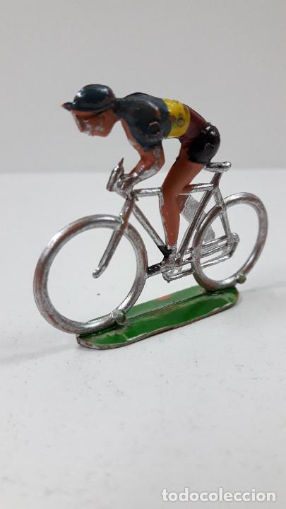 Figuras de Goma y PVC: CICLISTA . REALIZADO POR M. SOTORRES . ORIGINAL AÑOS 60 - Foto 2 - 244885235