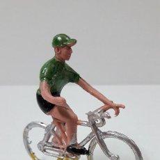Figuras de Goma y PVC: CICLISTA . REALIZADO POR M. SOTORRES . ORIGINAL AÑOS 60. Lote 245370135