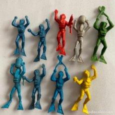 Figuras de Goma y PVC: LOTE 9 BUZOS SUBMARINISTAS MONTAPLEX HOMBRES RANA. Lote 245371380
