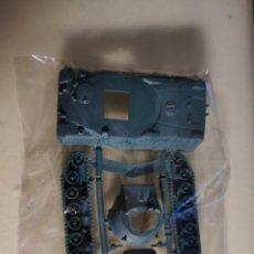 Figuras de Goma y PVC: MONTAPLEX MONTAMAN TANQUE A ESCALA . MONTA MAN MONTA PLEX. Lote 245393615
