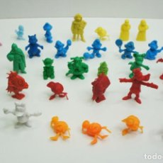Figuras de Goma y PVC: LOTE DE 32 FIGURAS VARIAS DUNKIN .. Lote 245631385