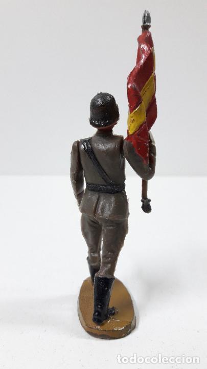 Figuras de Goma y PVC: OFICIAL Y SOLDADOS EN DESFILE . REALIZADOS POR TEIXIDO . ORIGINAL AÑOS 60 - Foto 7 - 245709725