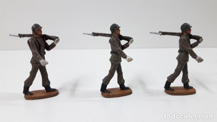 Figuras de Goma y PVC: OFICIAL Y SOLDADOS EN DESFILE . REALIZADOS POR TEIXIDO . ORIGINAL AÑOS 60 - Foto 14 - 245709725