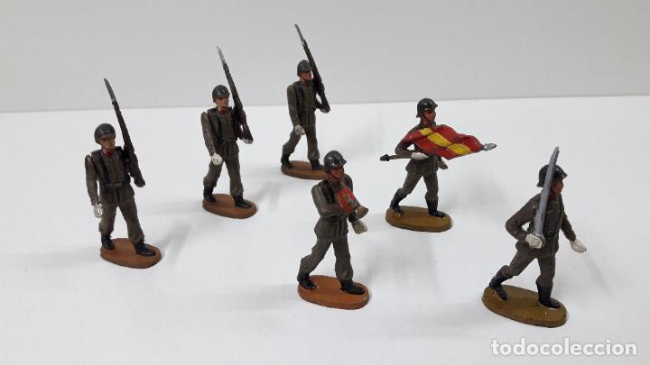 Figuras de Goma y PVC: OFICIAL Y SOLDADOS EN DESFILE . REALIZADOS POR TEIXIDO . ORIGINAL AÑOS 60 - Foto 15 - 245709725