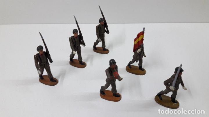 Figuras de Goma y PVC: OFICIAL Y SOLDADOS EN DESFILE . REALIZADOS POR TEIXIDO . ORIGINAL AÑOS 60 - Foto 16 - 245709725