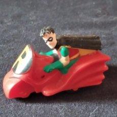 Figuras de Goma y PVC: ROBIN EN SU MOTO DE BATMAN 1993. Lote 245752695