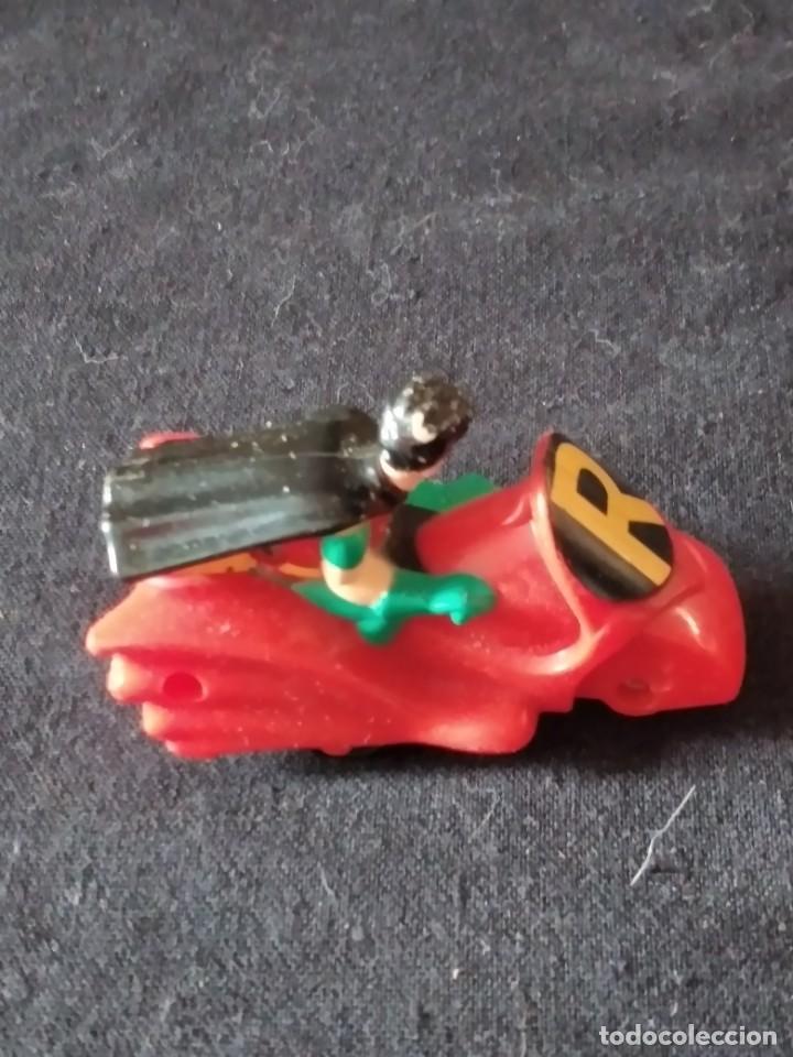 Figuras de Goma y PVC: robin en su moto de batman 1993 - Foto 3 - 245752695