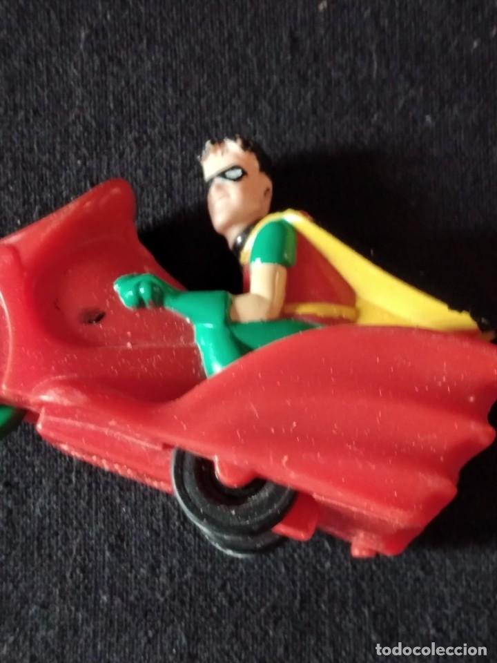 Figuras de Goma y PVC: robin en su moto de batman 1993 - Foto 5 - 245752695