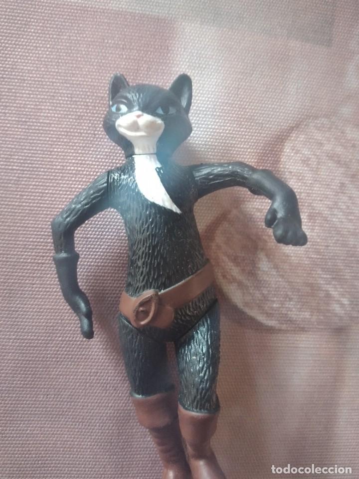 Figuras de Goma y PVC: Figura articulada el gato con botas, gata negra - Foto 2 - 245754450
