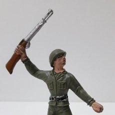 Figuras de Goma y PVC: SOLDADO AMERICANO . REALIZADO POR COMANSI . ORIGINAL AÑOS 60. Lote 245964475