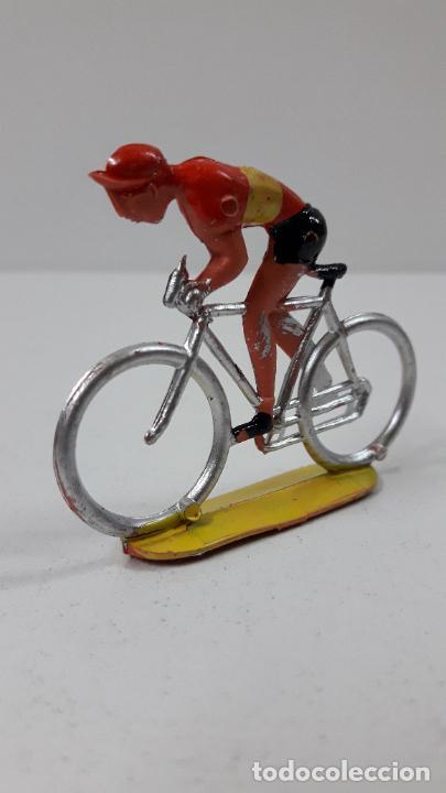 Figuras de Goma y PVC: CICLISTA . REALIZADO POR M. SOTORRES . ORIGINAL AÑOS 60 - Foto 2 - 245972900