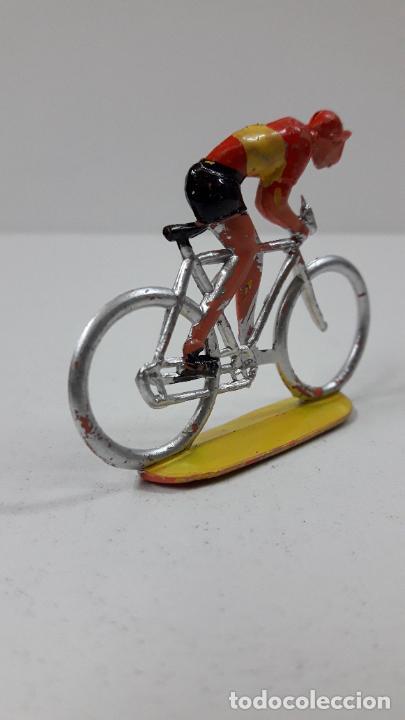 Figuras de Goma y PVC: CICLISTA . REALIZADO POR M. SOTORRES . ORIGINAL AÑOS 60 - Foto 3 - 245972900