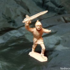 Figuras de Goma y PVC: GUERRERO BRAZO ROTO REAMSA 265 MEDIEVAL. Lote 247660840