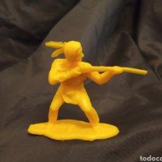 Figuras de Goma y PVC: INDIO MONOCOLOR AMARILLO REAMSA GOMARSA SOLDIS EN PLASTICO LITTLE BIG HORNE. Lote 247661245
