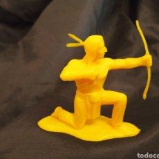Figuras de Goma y PVC: INDIO MONOCOLOR AMARILLO REAMSA GOMARSA SOLDIS EN PLASTICO LITTLE BIG HORNE. Lote 247661805