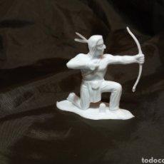 Figuras de Goma y PVC: INDIO BLANCO MONOCOLOR CON ARCO REAMSA GOMARSA SOLDIS EN PLASTICO LITTLE BIG HORNE. Lote 247665375