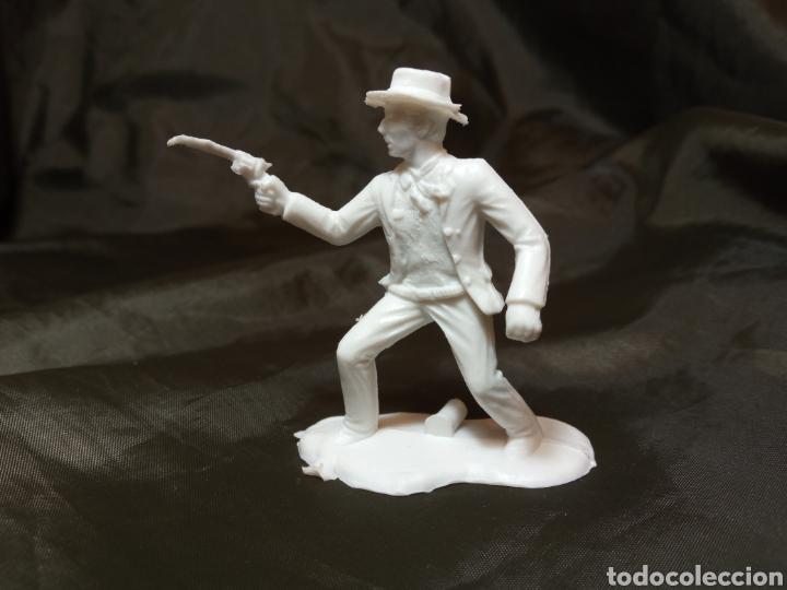 PISTOLERO BLANCO REAMSA GOMARSA SOLDIS EN PLASTICO LITTLE BIG HORNE (Juguetes - Figuras de Goma y Pvc - Reamsa y Gomarsa)