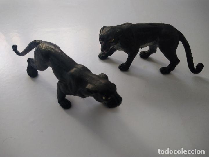 PAREJA DE FIGURAS PANTERAS PECH. 10- 12 CM LARGO. (Juguetes - Figuras de Goma y Pvc - Dunkin)