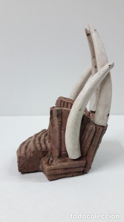 Figuras de Goma y PVC: TRONO AFRICANO . REALIZADO POR ARCLA . ORIGINAL AÑOS 50 EN GOMA - Foto 4 - 247755790