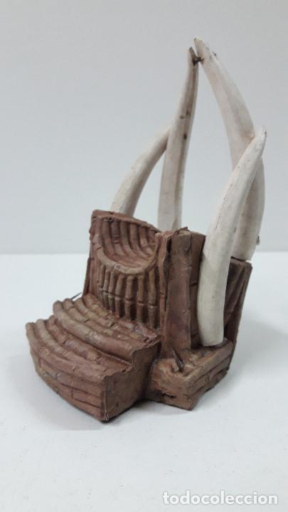 Figuras de Goma y PVC: TRONO AFRICANO . REALIZADO POR ARCLA . ORIGINAL AÑOS 50 EN GOMA - Foto 7 - 247755790