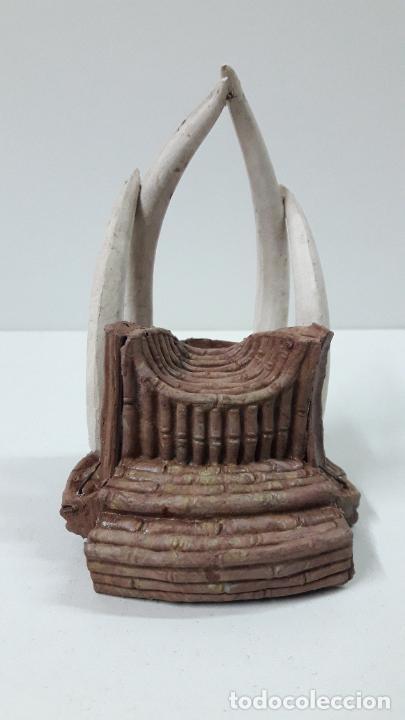 Figuras de Goma y PVC: TRONO AFRICANO . REALIZADO POR ARCLA . ORIGINAL AÑOS 50 EN GOMA - Foto 9 - 247755790