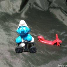 Figuras de Goma y PVC: PITUFO EN PATINETE SCHLEICH EN BOLSA PRECINTADA. Lote 248300000