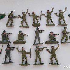 Figuras de Goma y PVC: LOTE 19 SOLDADOS .4,5 CMS. Lote 248963970