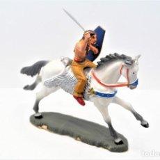 Figuras de Borracha e PVC: ANTIGUAS FIGURAS DE GUERRERO GALO A CABALLO -STARLUX-. Lote 249076275