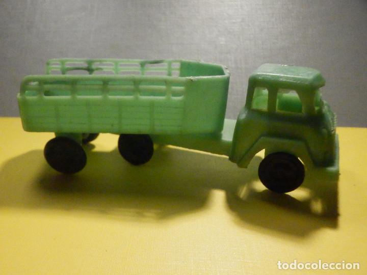 Figuras de Goma y PVC: Camión Plástico - Cabeza Tractora con remolque caja abierta - Ganado, Campo - Kiosko 60´s 70´s - Foto 6 - 249266155