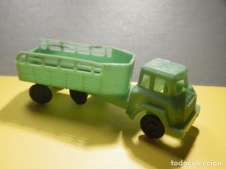 Figuras de Goma y PVC: Camión Plástico - Cabeza Tractora con remolque caja abierta - Ganado, Campo - Kiosko 60´s 70´s - Foto 7 - 249266155