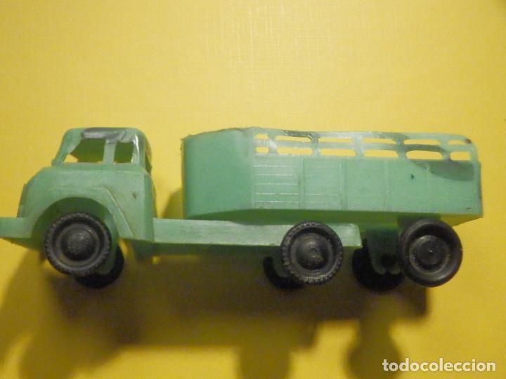 Figuras de Goma y PVC: Camión Plástico - Cabeza Tractora con remolque caja abierta - Ganado, Campo - Kiosko 60´s 70´s - Foto 8 - 249266155