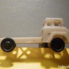 Figuras de Goma y PVC: CAMIÓN PLÁSTICO - CABEZA TRACTORA 2 EJES - SIN CAJA - KIOSKO 60´S 70´S. Lote 249271985