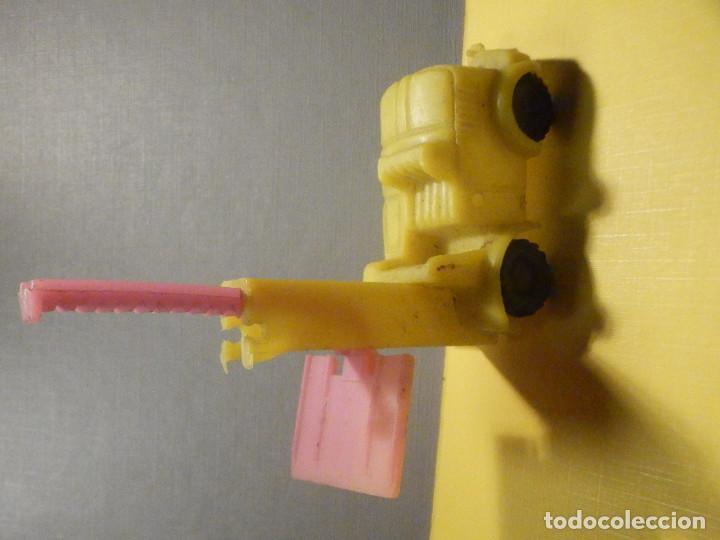 Figuras de Goma y PVC: Máquina Plástico - Carretilla Fenwick - Transpalet - Kiosko 60´s 70´s - Foto 2 - 249274700
