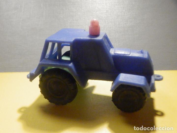 Figuras de Goma y PVC: Máquina Plástico - Tractor - Kiosko 60´s 70´s - Foto 2 - 249276755