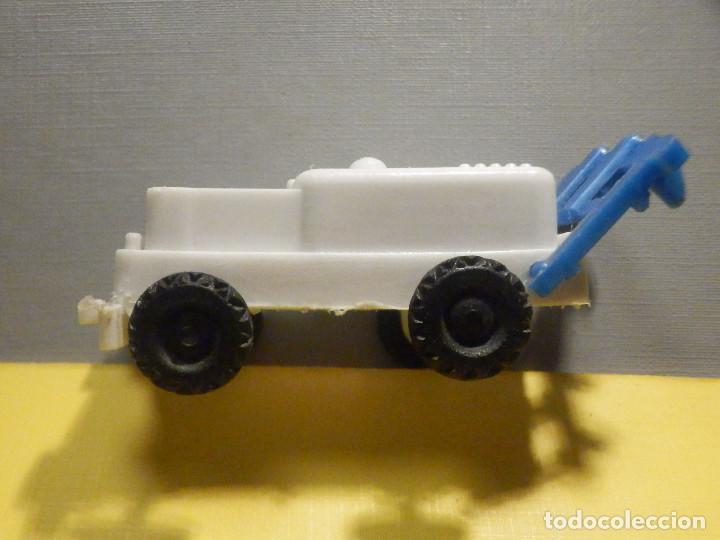 Figuras de Goma y PVC: Máquina Plástico - Tractor arado - Kiosko 60´s 70´s - Foto 2 - 249278670