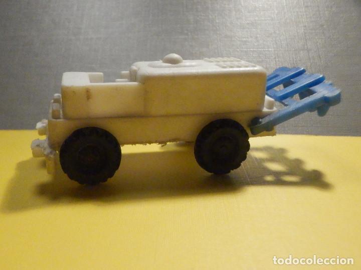 Figuras de Goma y PVC: Máquina Plástico - Tractor arado - Kiosko 60´s 70´s - Foto 3 - 249278670