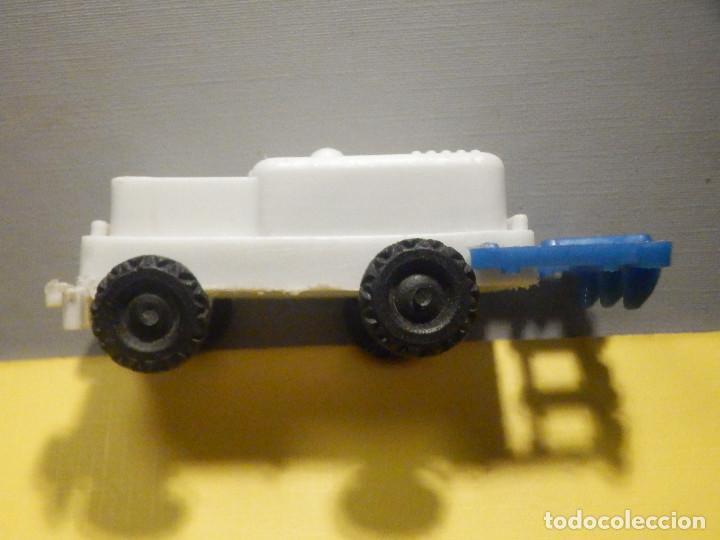 Figuras de Goma y PVC: Máquina Plástico - Tractor arado - Kiosko 60´s 70´s - Foto 8 - 249278670