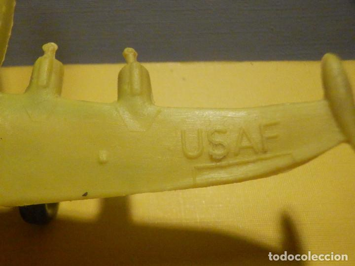 Figuras de Goma y PVC: Avión de plástico - USAF - Super Constellation, Made in West Germany con ruedas - Kiosco - 60´s 70´s - Foto 2 - 249303000
