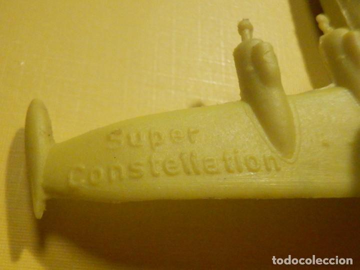 Figuras de Goma y PVC: Avión de plástico - USAF - Super Constellation, Made in West Germany con ruedas - Kiosco - 60´s 70´s - Foto 5 - 249303000