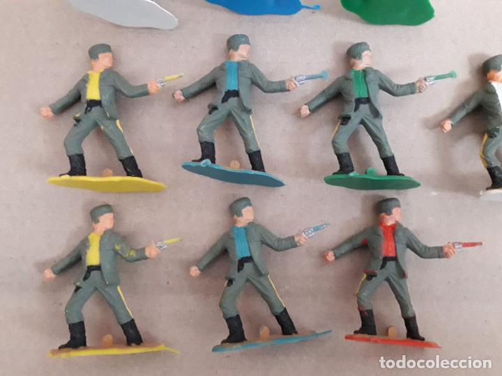 Figuras de Goma y PVC: Lote 10 figuras a identificar. Comansi, jecsan ... 6 cms - Foto 2 - 249327615